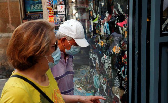 V Kataloniji ni nobenega območja več, ki ga prebivalci ne bi smeli zapustiti.FOTO: Albert Gea/Reuters