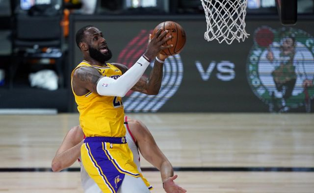 Tudi LeBron James je bil nemočen v dvoboju s Torontom. FOTO: Ashley Landis/Usa Today Sports