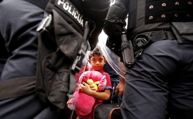 V pandemiji so bolj ogroženi in otroškemu delu bolj izpostavljeni otroci iz revnejših držav. Foto: Matej Družnik/Delo