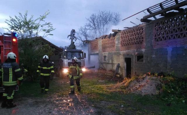 Požar je povzročil za 26 tisoč evrov škode. FOTO: PGD Hotič
