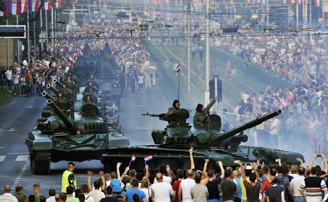Pred petimi leti so ob 20. obletnici vojaške operacije Nevihta sredi Zagreba pripravili vojaško parado. Foto: Boris Kovačev/Cropix