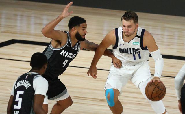 Luka Dončić je že v rednem delu tekme zbral 19 skokov in izboljšal svoj rekord v ligi NBA. FOTO: Kim Klement/USA Today Sports