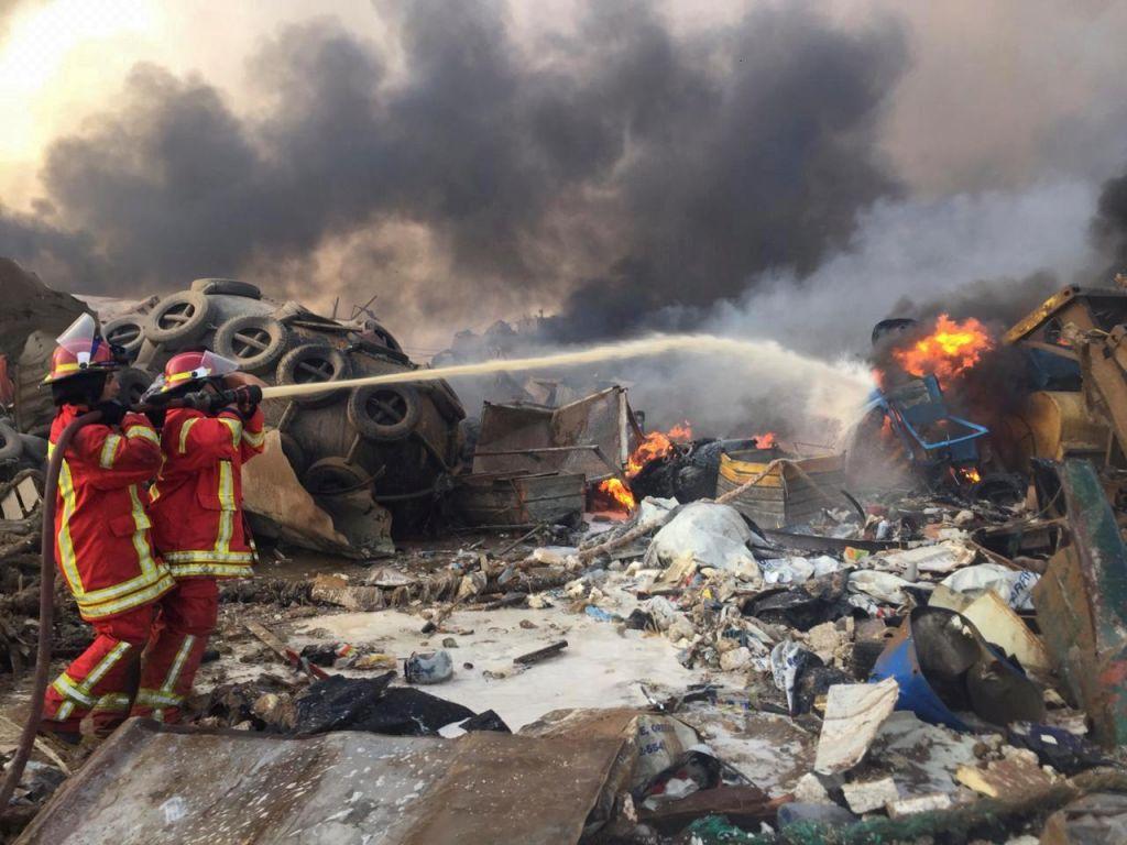V eksploziji v Bejrutu umrlo najmanj 78 ljudi, 4000 je ranjenih