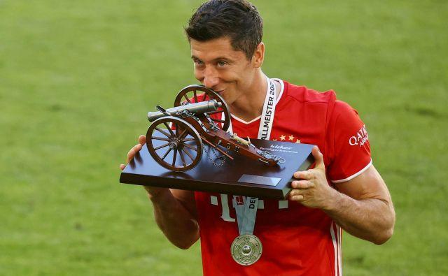 Robert Lewandowski naj bi imel z Bayernom največ možnosti za naslov evropskega prvaka. FOTO: Kai Pfaffenbach/Reuters