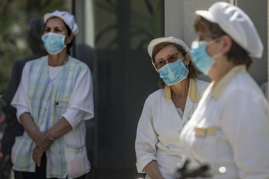 18 novih okužb in ponovno ena smrt med okuženimi
