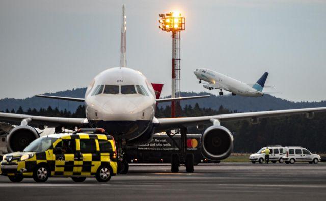 Cilj pobude ReFuelEU letalstvo je izkoristiti okrevanje kot priložnost, da letalstvo postane bolj okolju prijazno. FOTO: Voranc Vogel/Delo