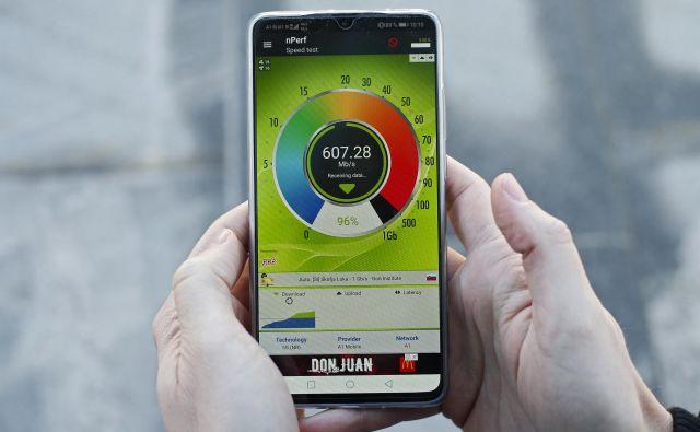 Uporabnikom bodo na voljo bistveno večje hitrosti prenosa podatkov in povsem nove storitve. FOTO: Matej Družnik/Delo