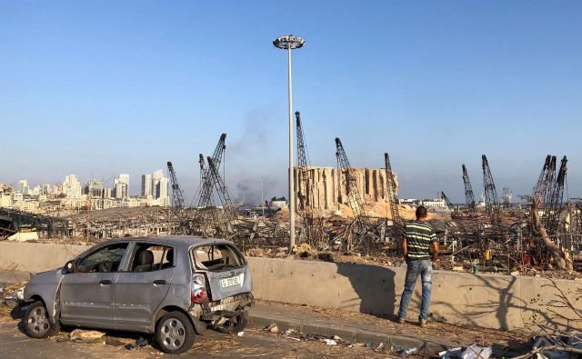 Razdejanje v bližini bejrutskega pristanišča. FOTO: Issam Abdallah/Reuters