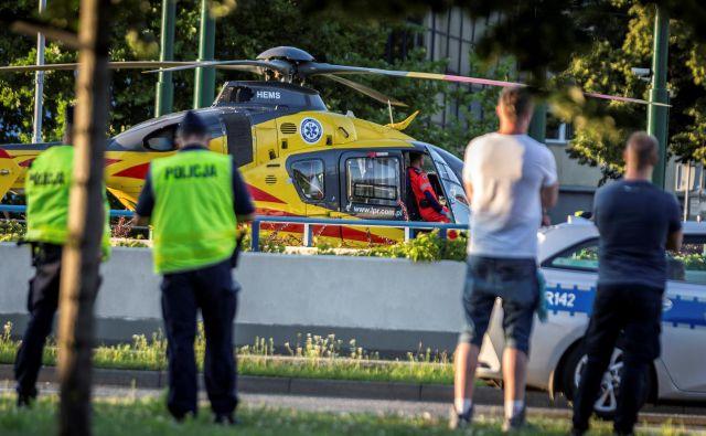 Nizozemca so po hudem padcu oživljali skoraj eno uro in ga s helikopterjem nemudoma odpeljali na intenzivni oddelek klinike v Sosnoviecu na poljskem jugu. FOTO: Grzegorz Celejewski/Reuters