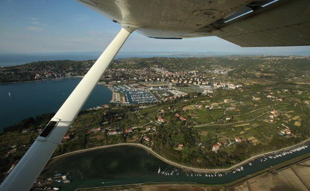 V Istri imajo poleti zaradi suše in turistov, ko se poveča poraba vode, redno težave. Foto Jure Eržen