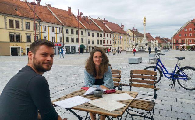 Sveže prenovljeni Glavni trg v Mariboru privablja turiste in domačine. Foto Milena Zupanič