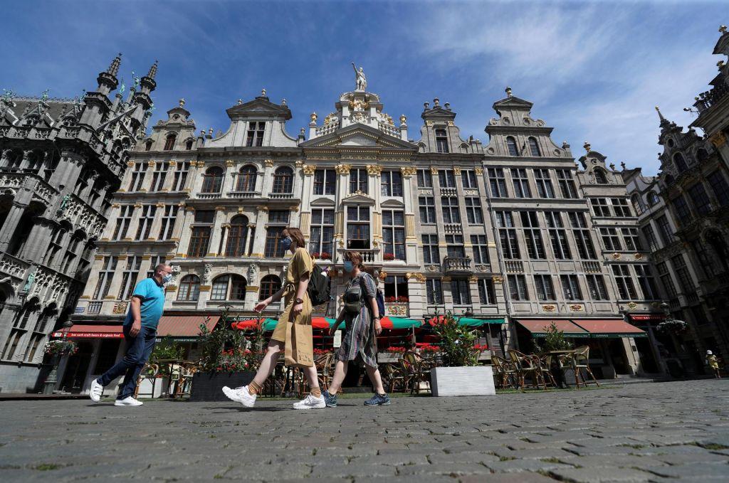 Bruseljski poletni sen pred krizno jesenjo