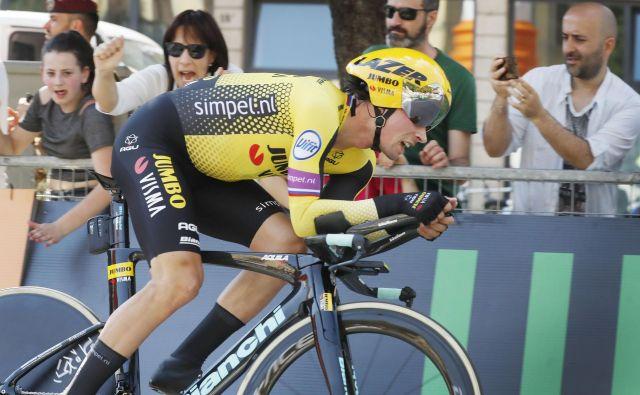 Primož Roglič je zmanjkalo nekaj centimetrov do zmage v prvi etapi dirke v Franciji. FOTO: Leon Vidic/Delo