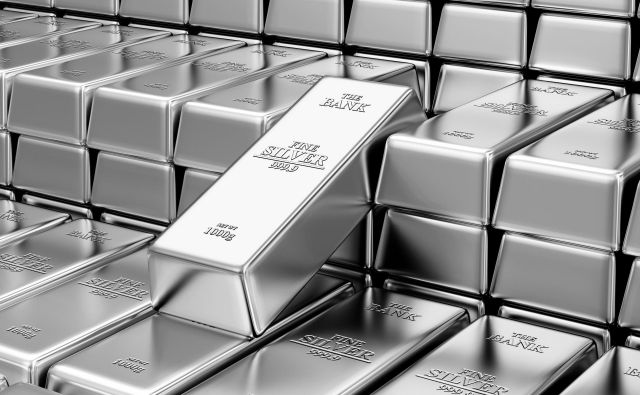 Business, Financial, Bank Silver Reserves Concept. Stack of Silver Bars in the Bank Vault Abstract Background. FOTO: Rashevskyi Viacheslav / Shutterstock Foto Rashevskyi Viacheslav Shutterstock