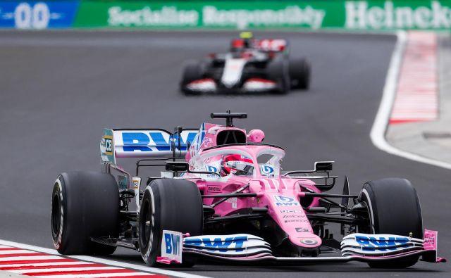 Težave Racing Pointa se poglabljajo in Sergio Perez bo moral izpustiti tudi nedeljsko dirko. FOTO: Darko Bandić/AFP
