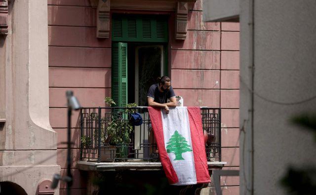 Po torkovi eksploziji je brez domov ostalo več sto tisoč prebivalcev Bejruta. FOTO: Patrick Baz/AFP