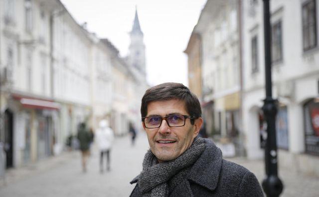 Matjaž Rakovec ne skriva razočaranja ob mučnem slovesu nogometašev Triglava od prve slovenske lige. FOTO: Jože Suhadolnik/Delo