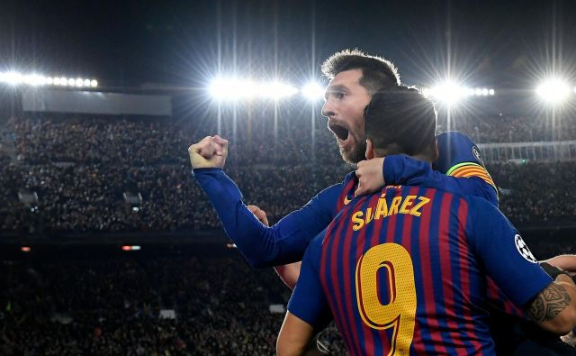 Katalonska družina stavi na svojega najmočnejšega aduta: Lionel Messi (desno) bo glavno orožje Barcelone. FOTO: Sergio Perez/Reuters