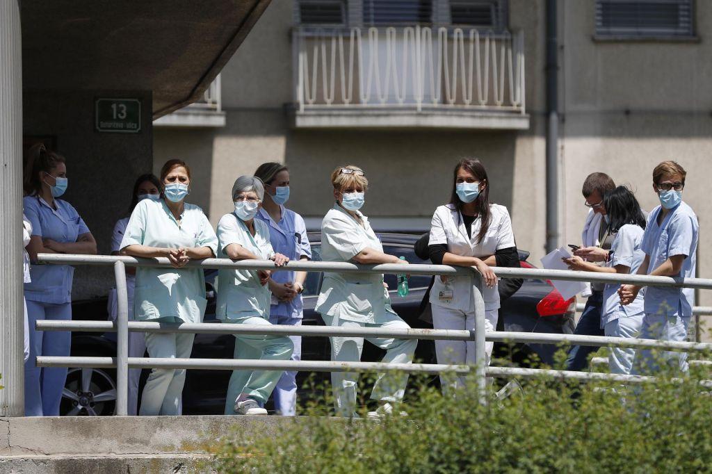 V četrtek potrdili deset okužb: veliko je uvoženih primerov