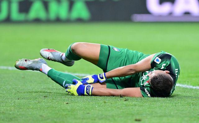 Vratar Atalante Pierluigi Gollini je zaradi poškodbe odpadel za četrtfinale lige prvakov s PSG. FOTO: Miguel Medina/AFP