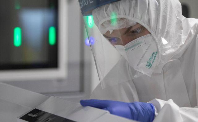 Na Balkanu še vedno beležijo visoke številke odkritih primerov okužb. FOTO: Marko Djurica Reuters