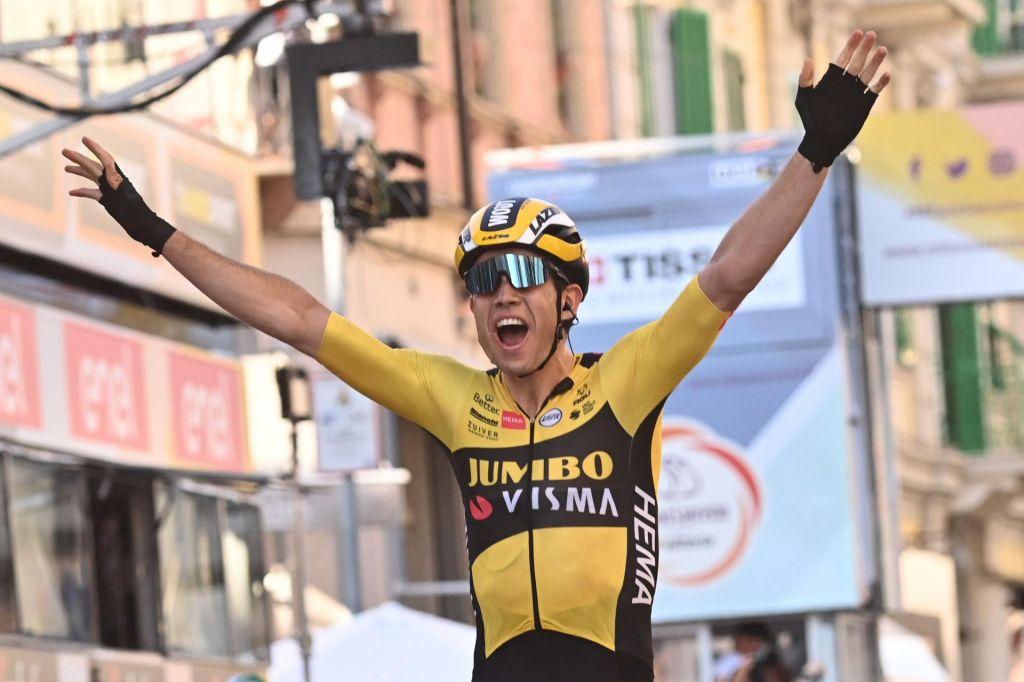 Van Aert dobil klasiko Milano-Sanremo, Slovenca blizu