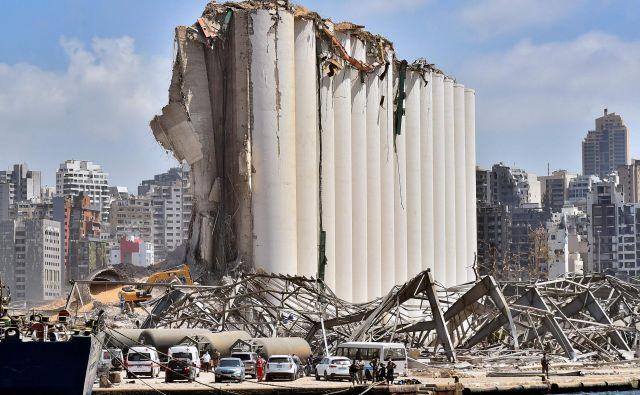 Eksplozijo naj bi povzročil požar v skladišču z 2750 tonami amonijevega nitrata. FOTO: AFP
