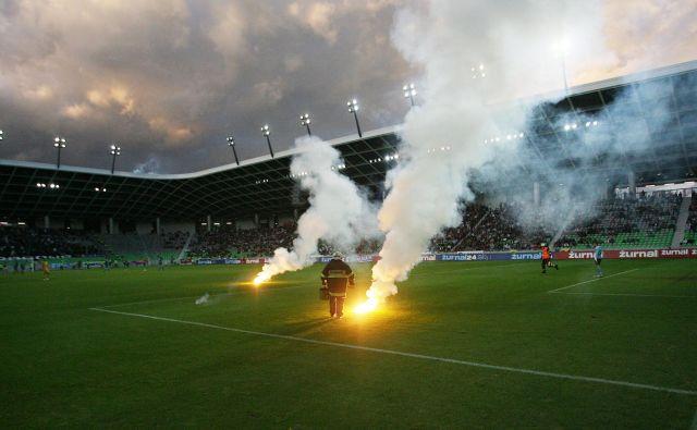 Olimpija in Maribor sta zaradi lastnih napak podarila prvenstvo Celjanom. FOTO: Roman Sipic/Delo