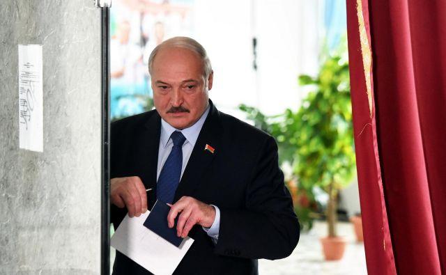 Aleksander Lukašenko bo še šestič zapored vodil državo. FOTO:Sergei Gapon/Reuters