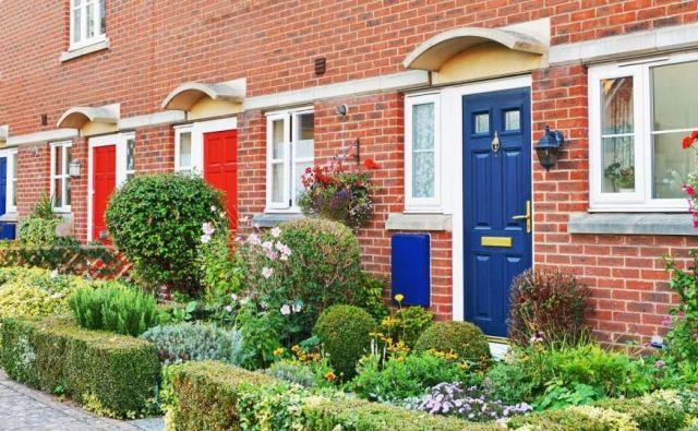 V stanovanjskih soseskah ustvari predvrt skupaj z vhodom v hišo prvi vtis, ki ga obiskovalec dobi o stanovalcih. Foto 1000 Words/Shutterstock