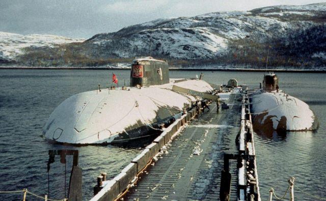 Kursk pozimi leta 2000 v matičnem pristanišču, severnoruskem pristaniškem mestu Vidjajevo. FOTO: AFP