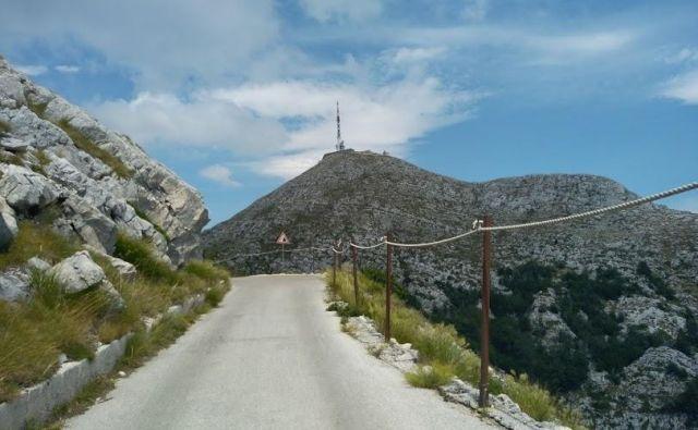 Pogled na vrh, pot pa še dolga. FOTO: MB Cvjetičanin