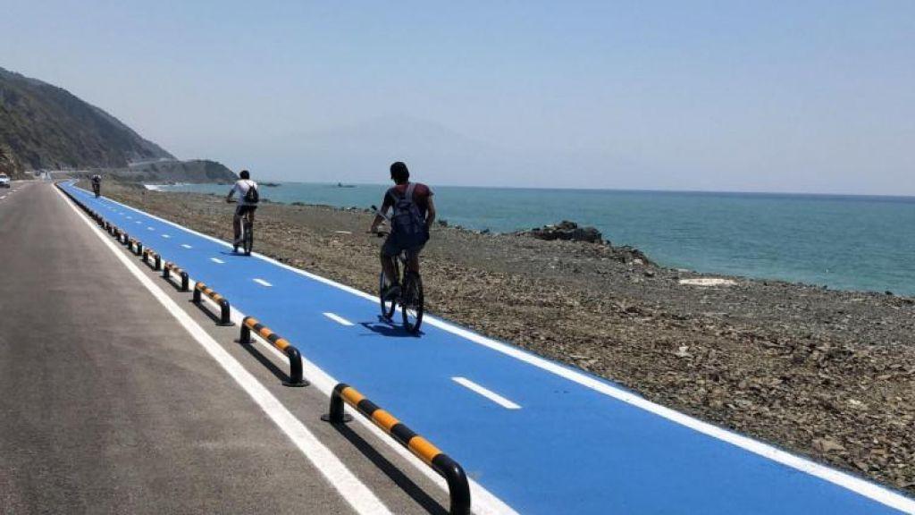 FOTO:Odprta je najdaljša neprekinjena kolesarska steza na svetu
