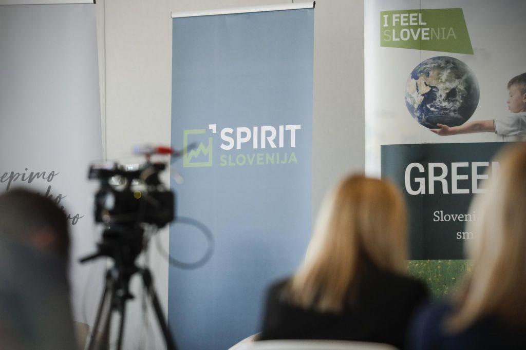 Spirit začasno zaustavil sprejemanje vlog za digitalizacijo