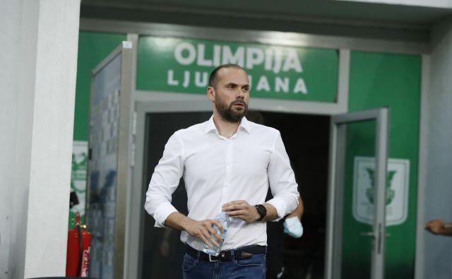 Trener Dino Skender je danes izvedel za novo veliko težavo, s katero se bodo soočili ljubljanski nogometaši. FOTO: Leon Vidic/Delo