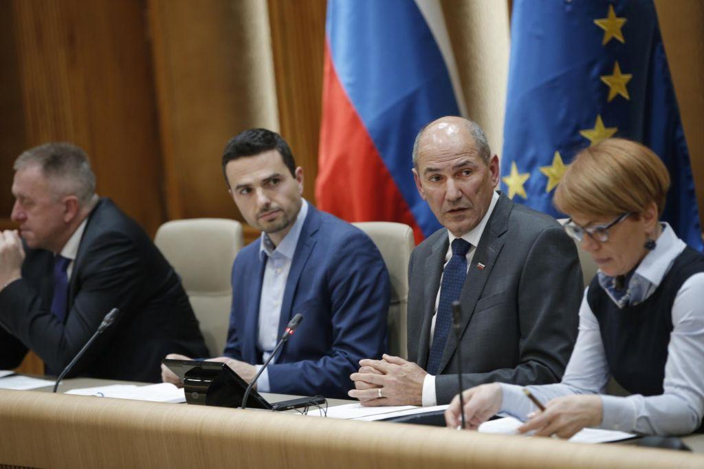 Janez Janša: Stranka mora vprašanja vodstva rešiti brez vmešavanja