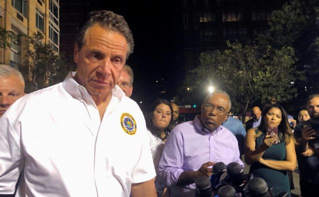 Guverner zvezne države New York Andrew Cuomo skuša z različnimi prijemi ljudi prepričati, naj se vrnejo v mesto, ki nikoli ne spi. Foto Catherine Koppel/Reuters