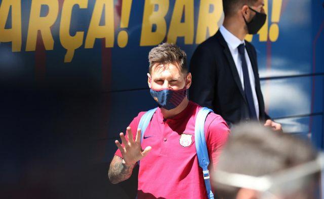 Šport na najvišji ravni še živi, vendar še zdaleč ni iz vode, nekdanji način življenja in z njim gledalci na stadionih in v dvoranah se še lep čas ne bodo vrnili. FOTO: Rafael Marchante/Reuters