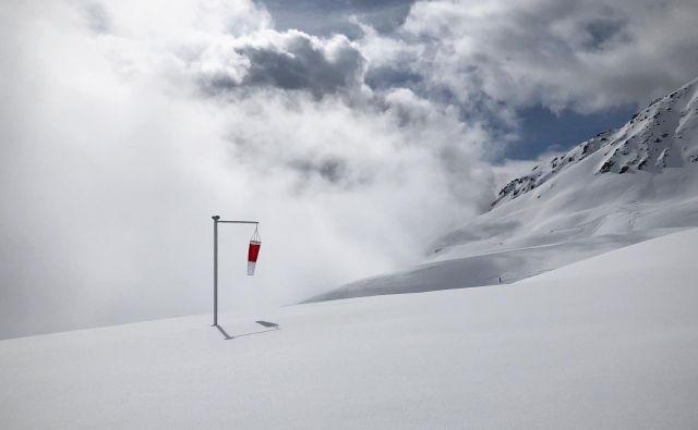 »Kaj počne veter, kadar ne piha?«. FOTO: Jure Eržen/Delo