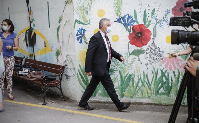 Tomaž Gantar, minister za zdravje, ki je med drugim tudi predsednik južnoprimorskega pokrajinskega odbora Desusa, je opozoril, da je predsednica stranke prekršila etično-moralna načela. Foto Uroš Hočevar