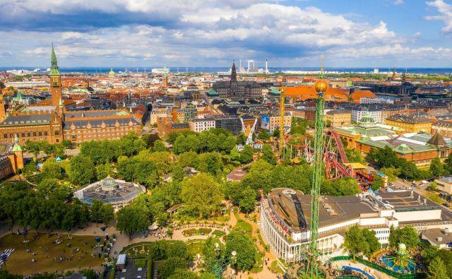 Samo nekaj kilometrov iz Københavna ležijo vrtički, ki so urejeni tako, da s ptičje perspektive vzamejo sapo. Foto Ingus Kruklitis/Shutterstock