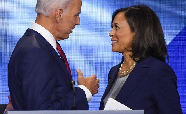 Kamala Harris je bila v preteklosti kritična do Bidna, toda demokratski predsednik je z njenim izborom pokazal, da zna odpuščati.<br /> Foto Robyn Beck/AFP