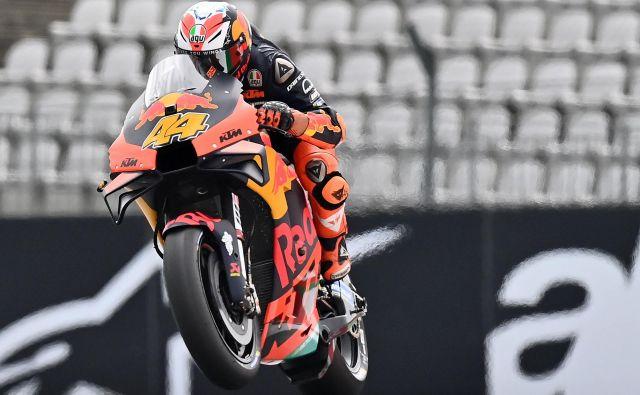 Za uvod je bil v Spielbergu najhitrejši Španec Pol Espargaro s KTM. FOTO: Joe Klamar/AFP