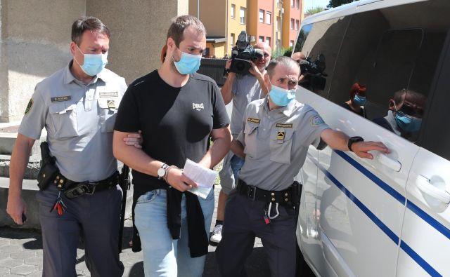 Sebastien Abramov je med razglasitvijo sodbe zapustil sodno dvorano. FOTO: Dejan Javornik/Delo