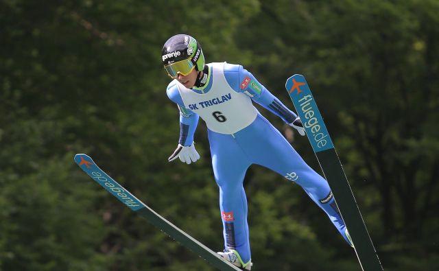 Timi Zajc je bil že tretjič zapored najboljši slovenski smučarski skakalec v skupni razvrstitvi velike nagrade FIS. FOTO: Jože Suhadolnik