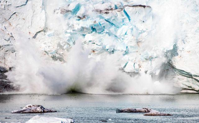 Na Grenlandiji se led tali vse hitreje. FOTO: Jonathan Nackstrand/AFP