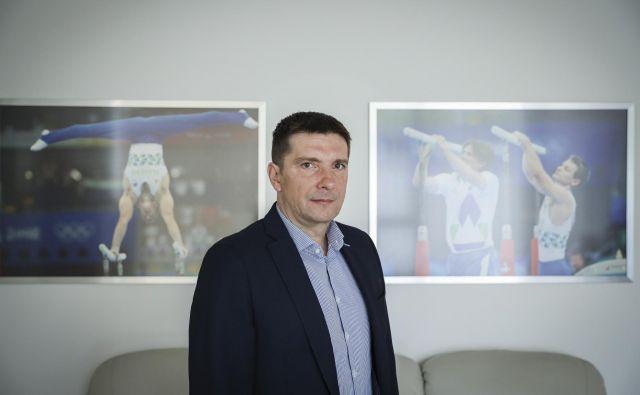 Marsikdo ne ve, da ima prav Športna loterija eno največjih računalniških omrežij v državi, zato je informacijska varnost ključen del poslovanja podjetja, pravi dr. Edvard Kolar, predsednik uprave Športne loterije. FOTO: Jože Suhadolnik/Delo