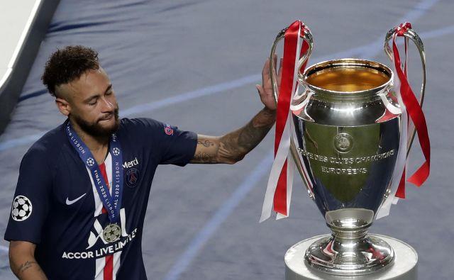 Nogometaš PSG Neymar je bil blizu in daleč pokalu za evropskega klubskega prvaka. FOTO: Manu Fernandez/AFP