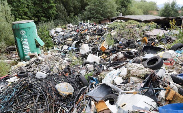 Ocenjeno je bilo, da gre za približno 100.000 prostorninskih metrov odpadkov. FOTO: Marko Feist/Slovenske novice