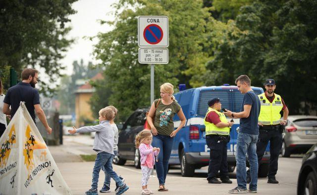 V teh dneh bo na cestah spet več šolarjev. FOTO: Jure Eržen/Delo